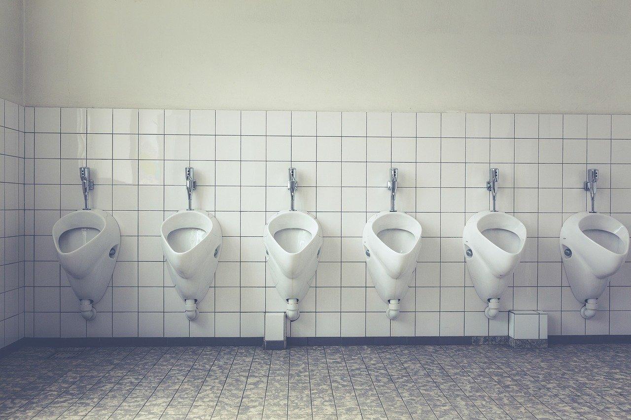 installation pompe de relevage eaux usées wc